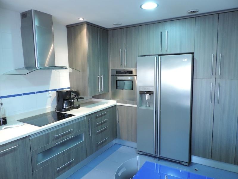 Cocina con frigorifico americano cocinas alcala de henares - Cocinas con frigorifico americano ...